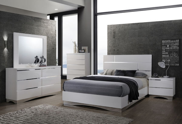 Imagen de STANTON WHITE 5 DRAWER CHEST
